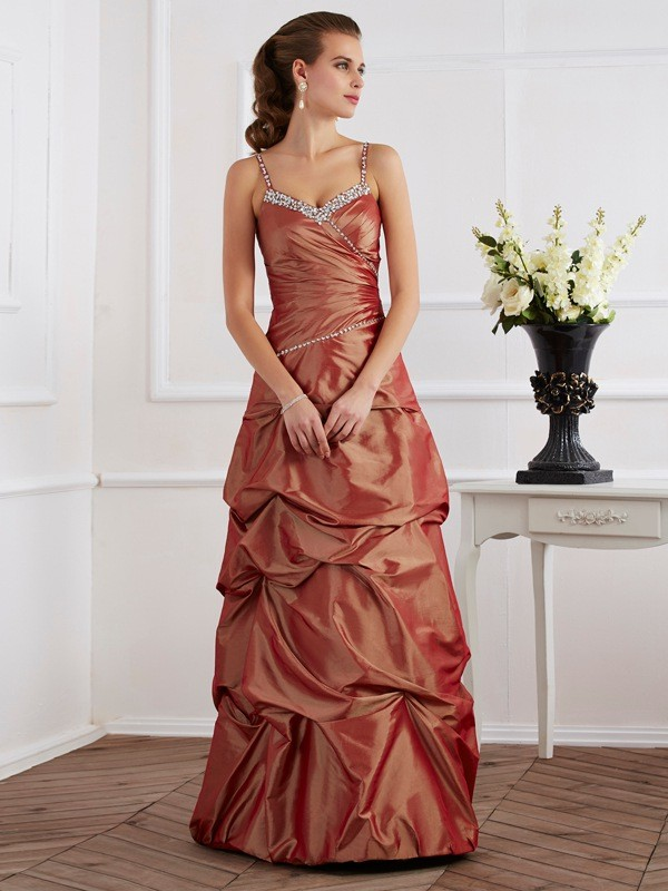 Sheath/Column Spaghetti Straps Sleeveless Floor-Length Taffeta Dresses with Beading