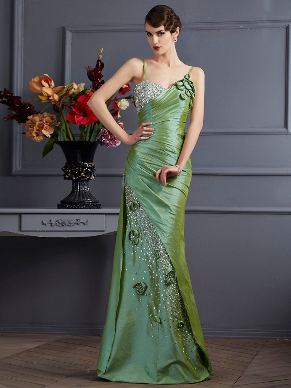 Trumpet/Mermaid Spaghetti Straps Sleeveless Floor-Length Taffeta Dresses with Beading