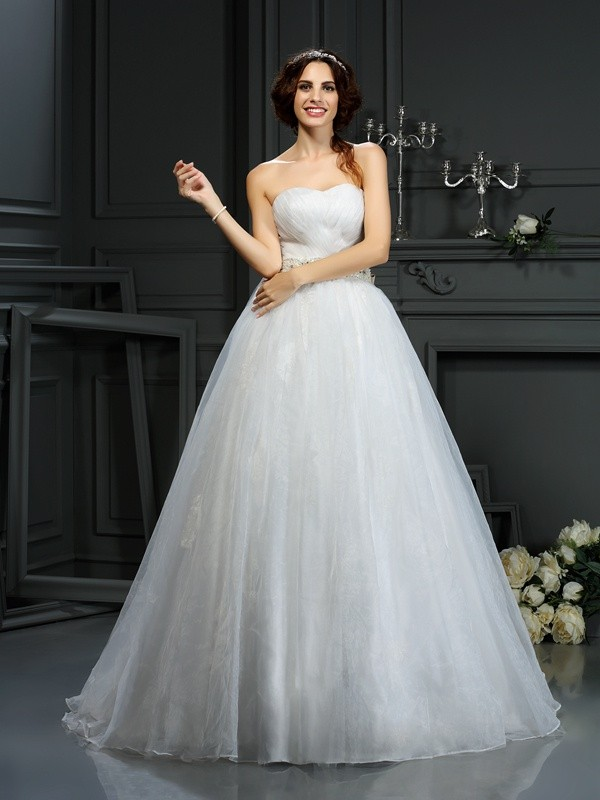 A-Line/Princess Sweetheart Sleeveless Court Train Organza Wedding Dresses with Applique