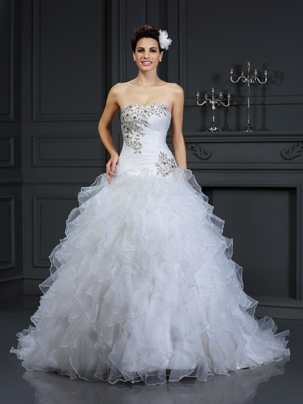 Ball Gown Strapless Sleeveless Chapel Train Organza Wedding Dresses with Beading