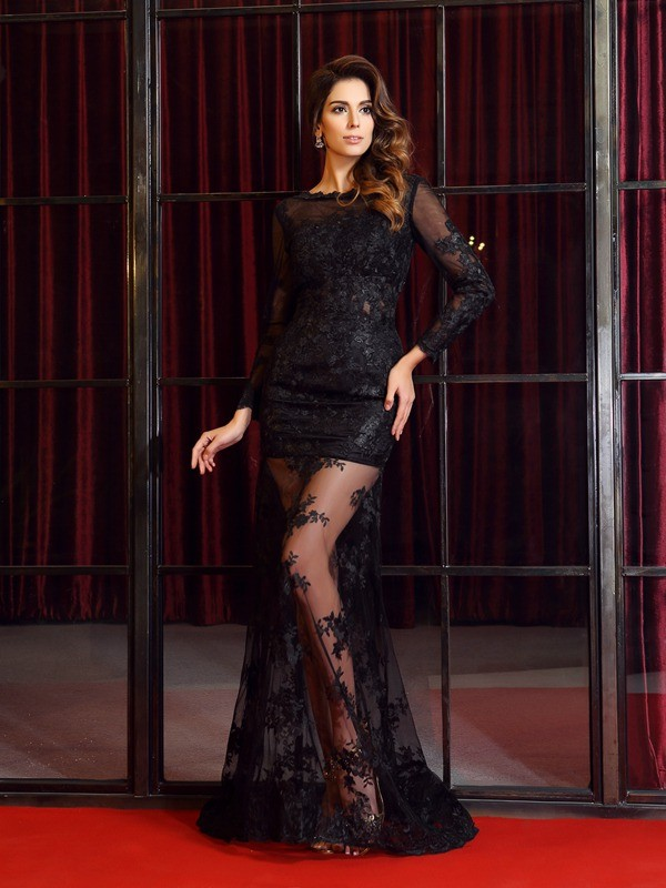 Trumpet/Mermaid Bateau Long Sleeves Sweep/Brush Train Lace Dresses with Applique