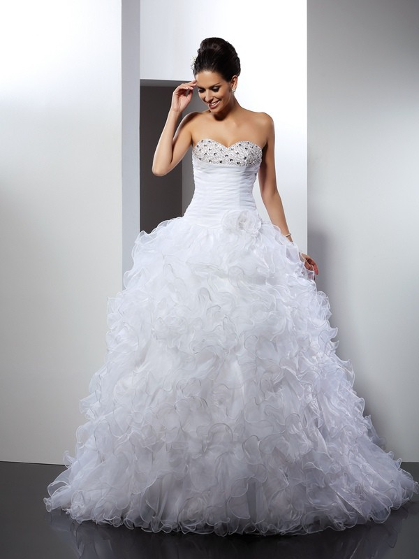 Ball Gown Sweetheart Sleeveless Cathedral Train Organza Wedding Dresses with Beading