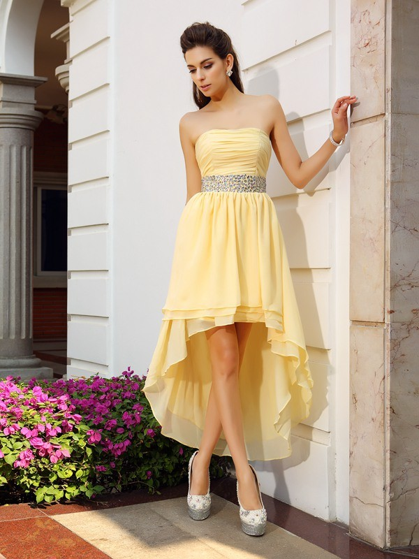 A-Line/Princess Strapless Sleeveless Asymmetrical Chiffon Dresses with Beading