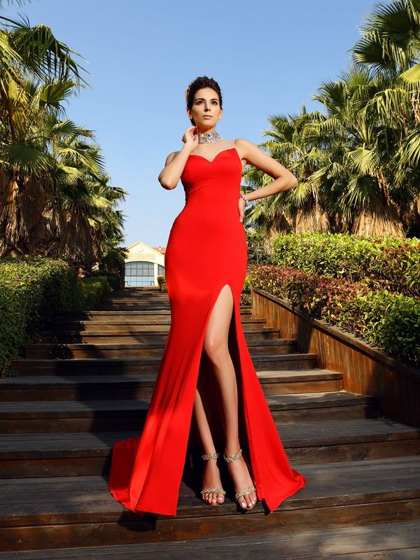 Sheath/Column High Neck Sleeveless Court Train Spandex Dresses with Beading