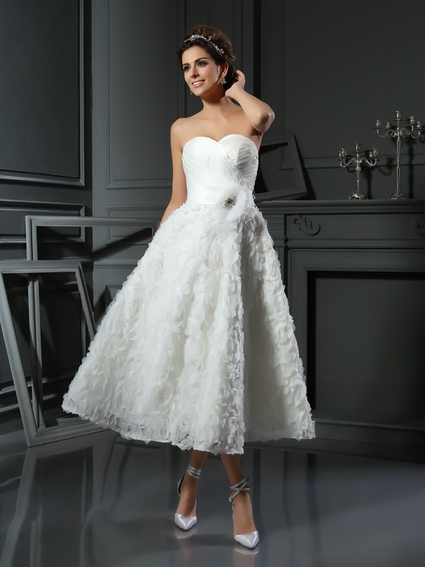 A-Line/Princess Sweetheart Sleeveless Tea-Length Satin Wedding Dresses with Bowknot