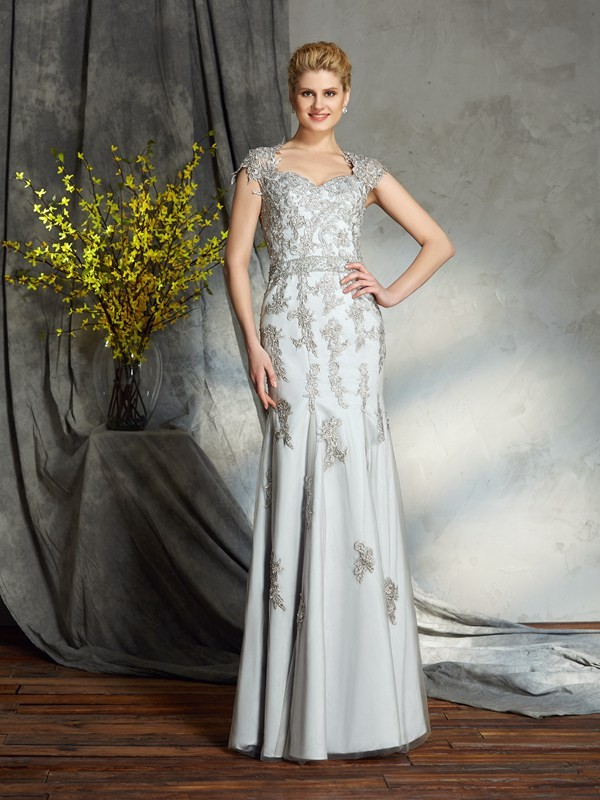 Sheath/Column Sweetheart Sleeveless Floor-Length Satin Mother of the Bride Dresses with Applique