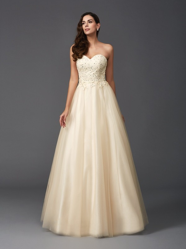 A-Line/Princess Sweetheart Sleeveless Floor-Length Net Dresses with Beading