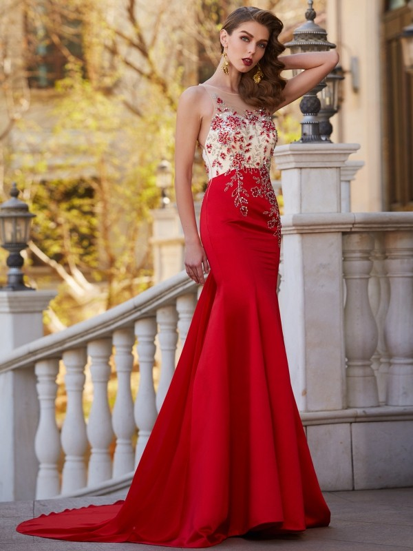 Trumpet/Mermaid Sheer Neck Sleeveless Court Train  Dresses with Applique