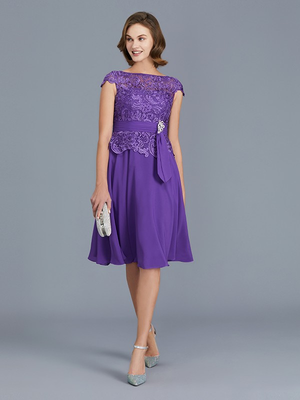 A-Line/Princess Bateau Sleeveless Knee-Length Chiffon Mother of the Bride Dresses with Beading