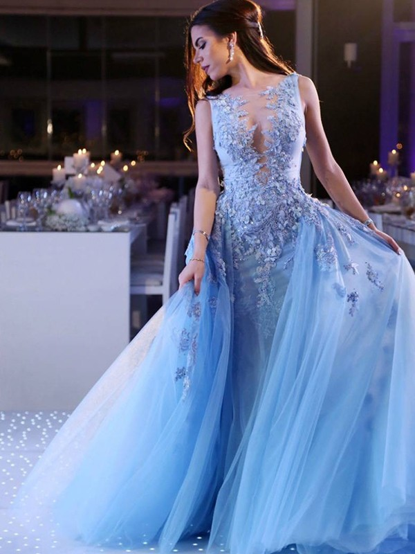 Ball Gown Scoop Sleeveless Sweep/Brush Train Tulle Dresses with Applique