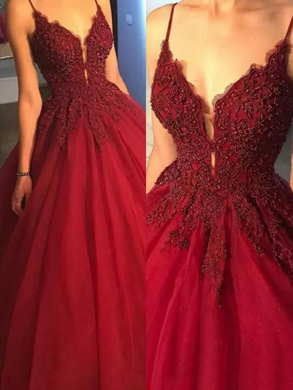 Ball Gown Spaghetti Straps Sleeveless Sweep/Brush Train Tulle Dresses with Applique