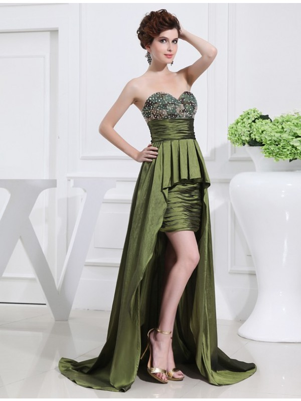 A-Line/Princess Sweetheart Sleeveless Asymmetrical Taffeta Dresses with Beading