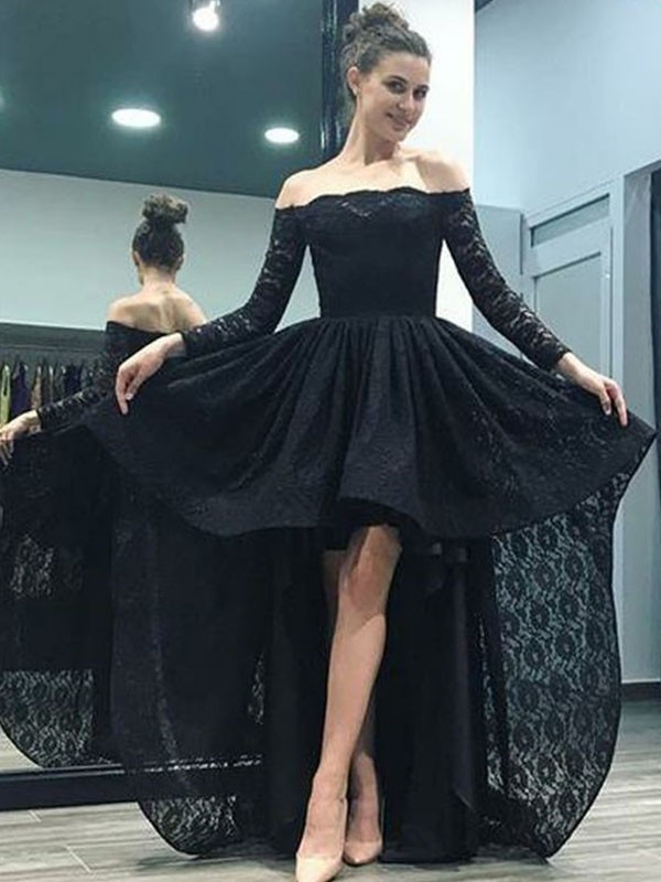 A-Line/Princess Off-the-Shoulder Long Sleeves Sweep/Brush Train Lace Dresses with Ruffles