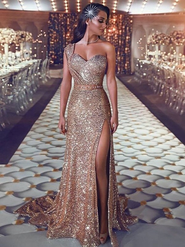 Sheath/Column One-Shoulder Sleeveless Sweep/Brush Train Sequins Dresses with Beading