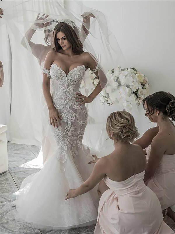 Trumpet/Mermaid Off-the-Shoulder Sleeveless Chapel Train Tulle Wedding Dresses