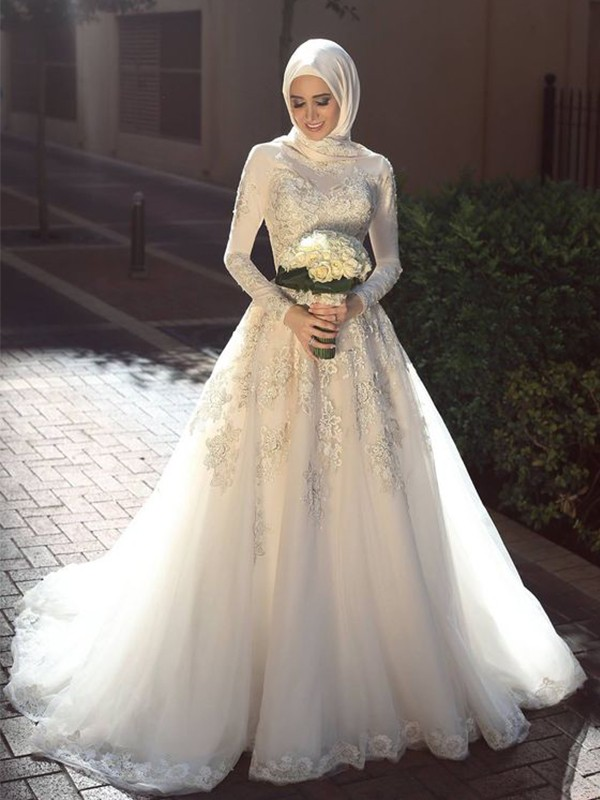 Ball Gown Jewel Long Sleeves Sweep/Brush Train Applique Tulle Wedding Dresses