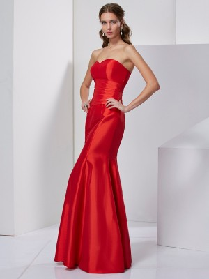 Trumpet/Mermaid Sweetheart Sleeveless Floor-Length Taffeta Dresses with Pleats