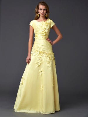 Sheath/Column Scoop Short Sleeves Floor-Length Taffeta Dresses