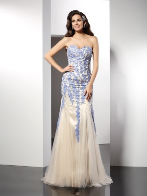 Trumpet/Mermaid Sweetheart Sleeveless Sweep/Brush Train Tulle Dresses with Applique