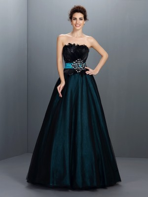 Ball Gown Strapless Sleeveless Floor-Length Elastic Woven Satin Dresses with Feathers/Fur