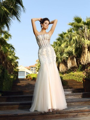 Trumpet/Mermaid Strapless Sleeveless Floor-Length Satin Dresses with Beading