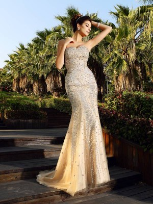 Trumpet/Mermaid Sweetheart Sleeveless Court Train Satin Dresses with Beading