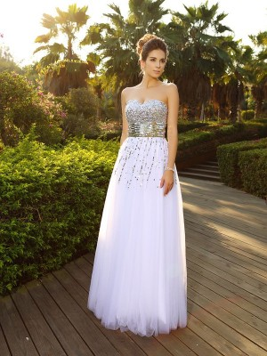 A-Line/Princess Sweetheart Sleeveless Floor-Length Organza Dresses with Beading