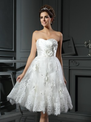 A-Line/Princess Sweetheart Sleeveless Short/Mini Satin Ruched Wedding Dresses