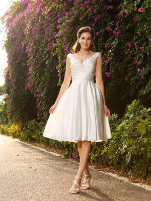 A-Line/Princess V-neck Sleeveless Knee-Length Satin Wedding Dresses with Beading