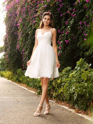 A-Line/Princess Spaghetti Straps Sleeveless Knee-Length Lace Wedding Dresses with Applique