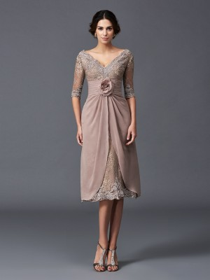 A-Line/Princess V-neck 1/2 Sleeves Tea-Length Lace Mother of the Bride Dresses with Hand-Made Flower