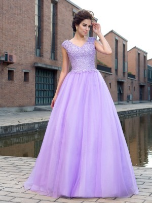 Ball Gown V-neck Short Sleeves Floor-Length Net Dresses with Applique