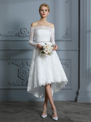 A-Line/Princess Off-the-Shoulder Long Sleeves Asymmetrical Lace Wedding Dresses with Lace