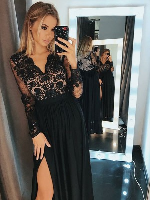 V-neck Long Sleeves Floor-Length Chiffon Dresses with Applique