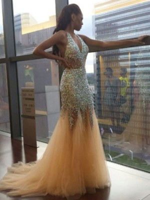Trumpet/Mermaid Halter Sleeveless Court Train Tulle Dresses with Sequin
